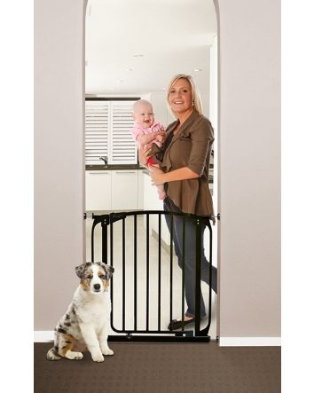 Chelsea 28-32in Auto Close Metal Baby Gate - Black
